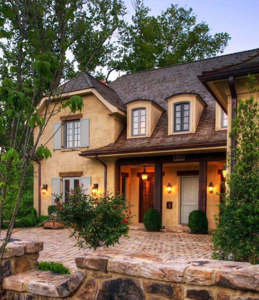 Подсветка дома в стиле прованс