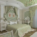 Консоль в спальне