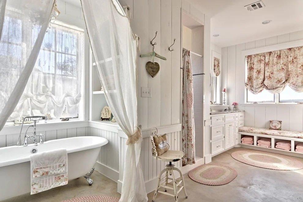 Ванная в доме в стиле прованс