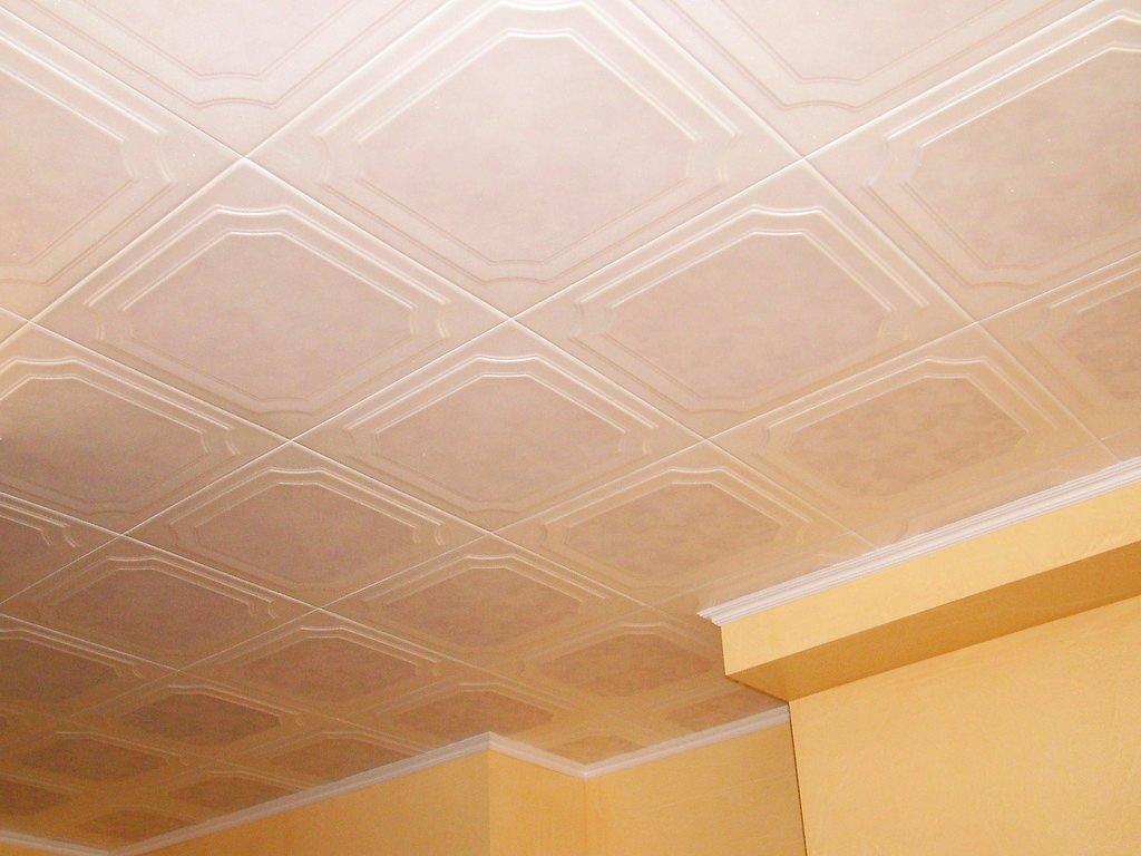столетий потолок из плиток пенопласта фото данном стиле