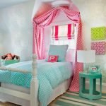 Кровать с балдахиином