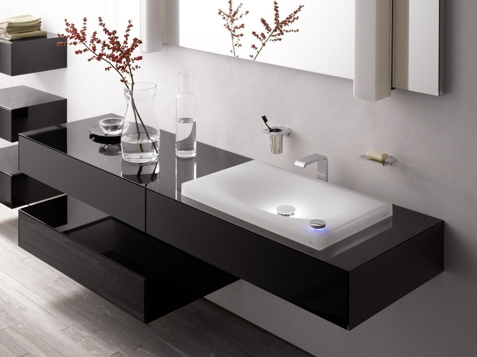 Стандартная раковина в ванной