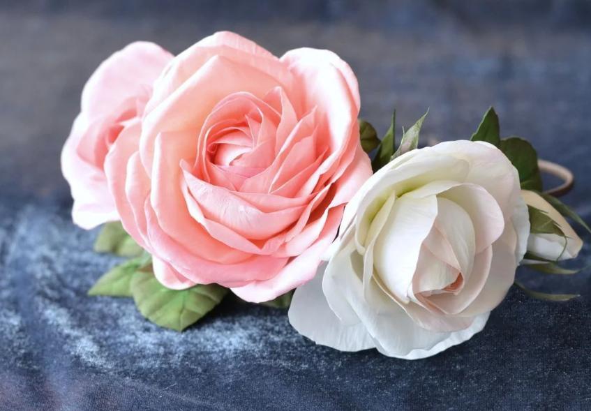 rozy-iz-foamirana1 Роза из фоамирана (70 фото): как сделать своими руками, идеи и мастер-классы