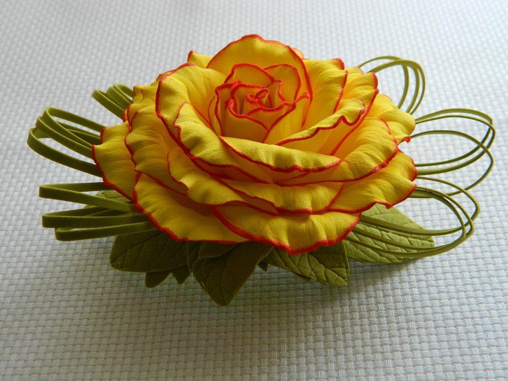 Заколка с розой