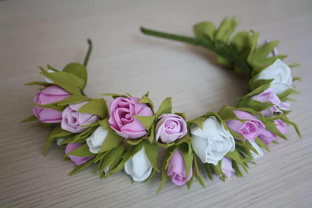Венок из мелких роз