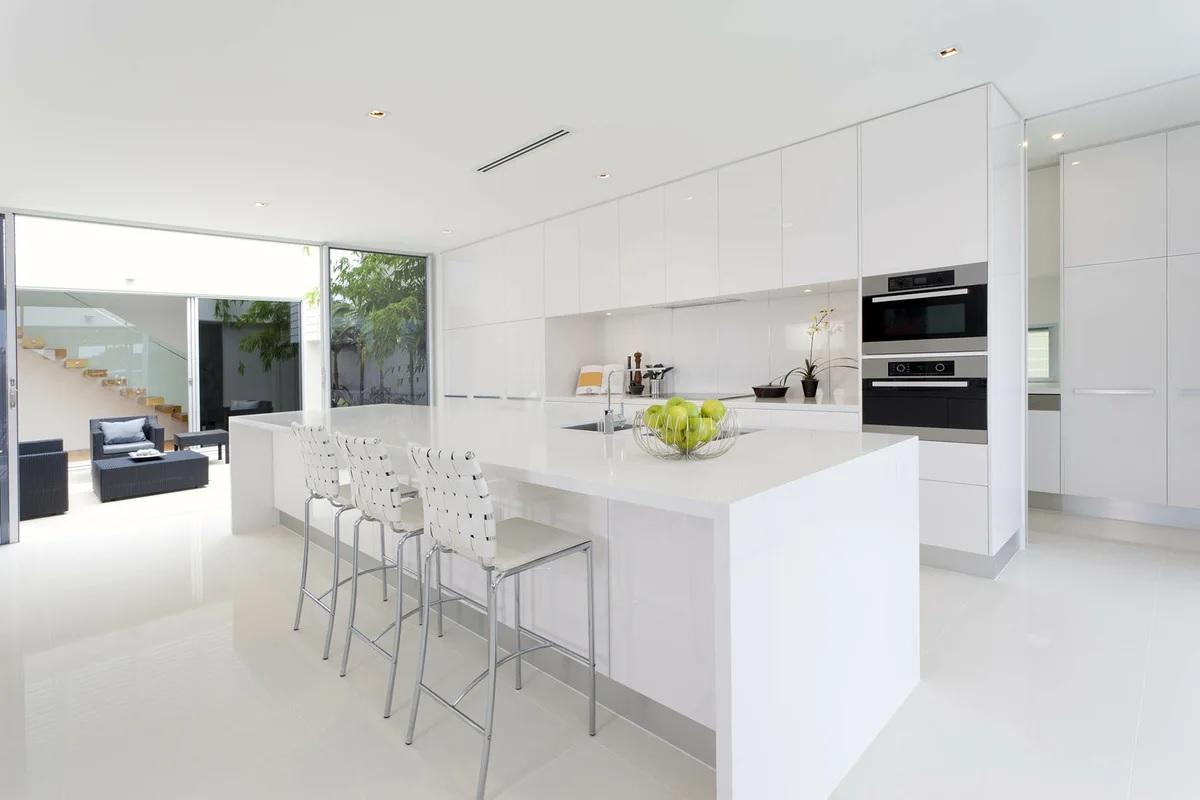 Кухня в белом цвете