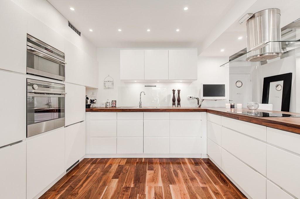 Маркость - один из минусов белой кухни