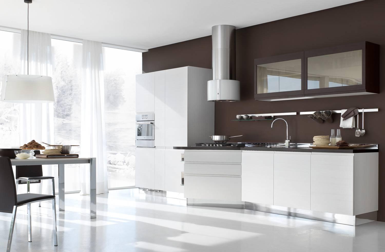 Текстиль в интерьере белой кухни