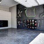 Велосипеды на стене