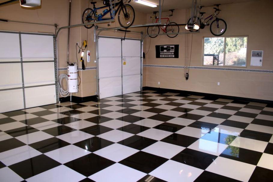 Пол из керамической плитки в гараже
