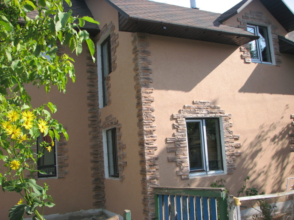 фасад дома штукатурка с декоративным камнем фото всему