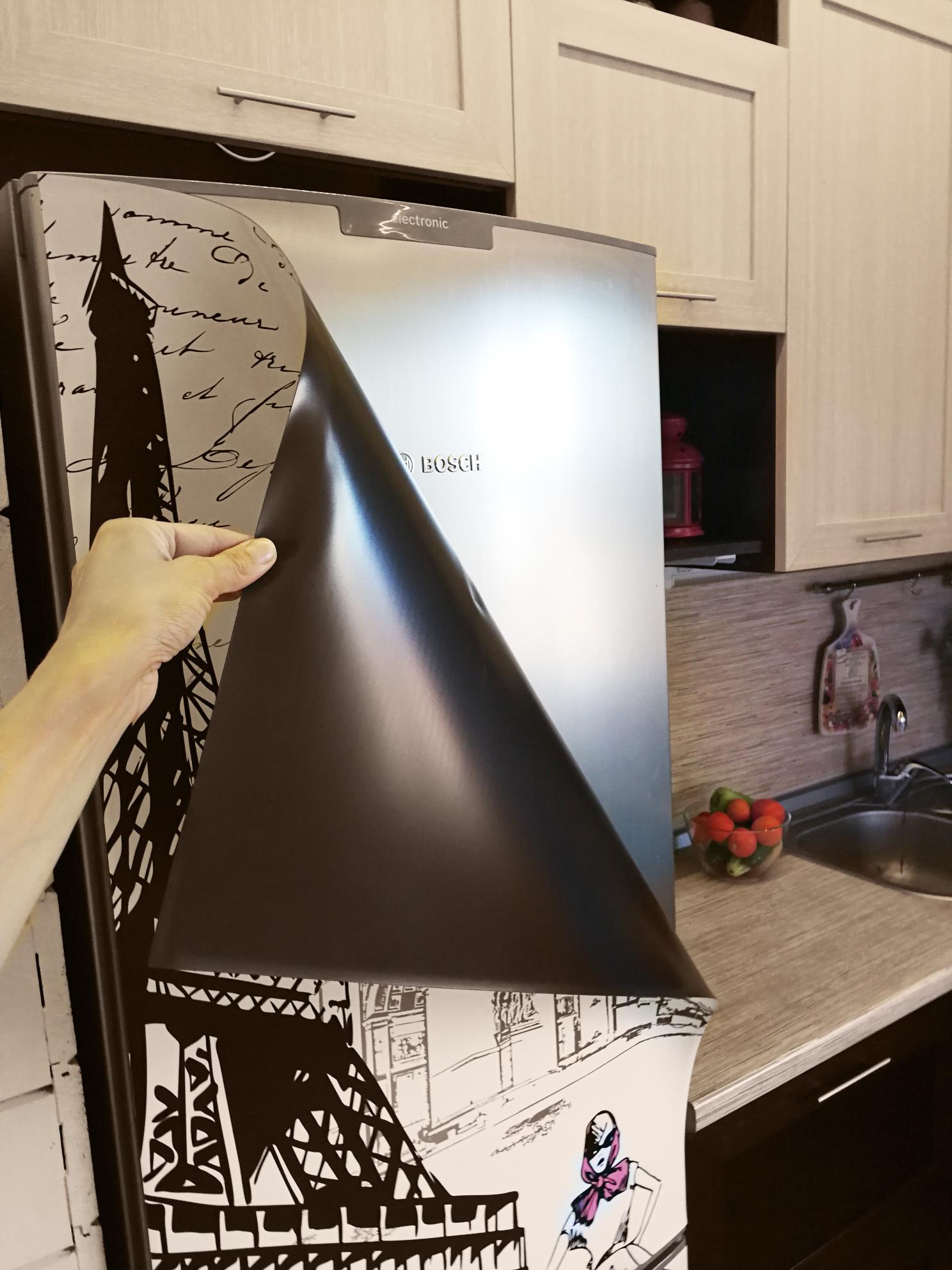 Оклеивание холодильника сухим способом