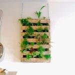 Вертикальный сад из паллет в квартире
