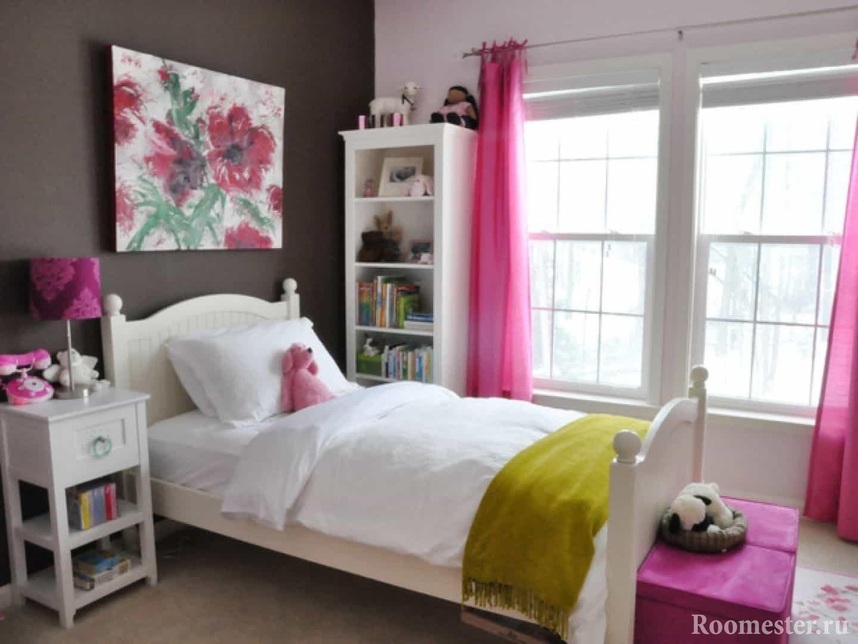 Картина на стене в дизайне комнаты для девочки подростка