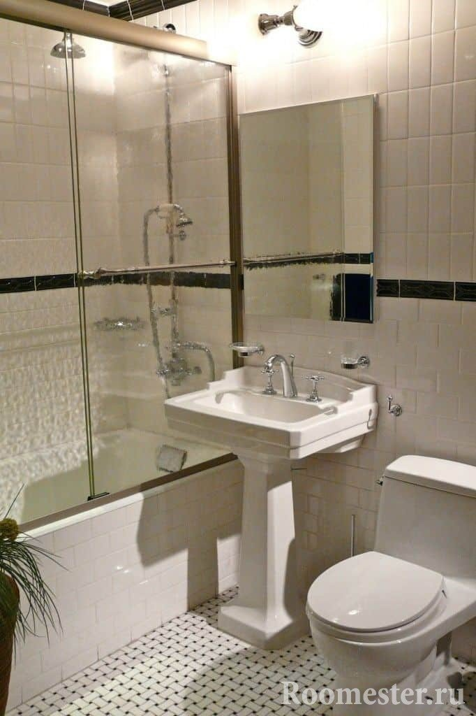Ванная комната в светлых тонах в хрущевке