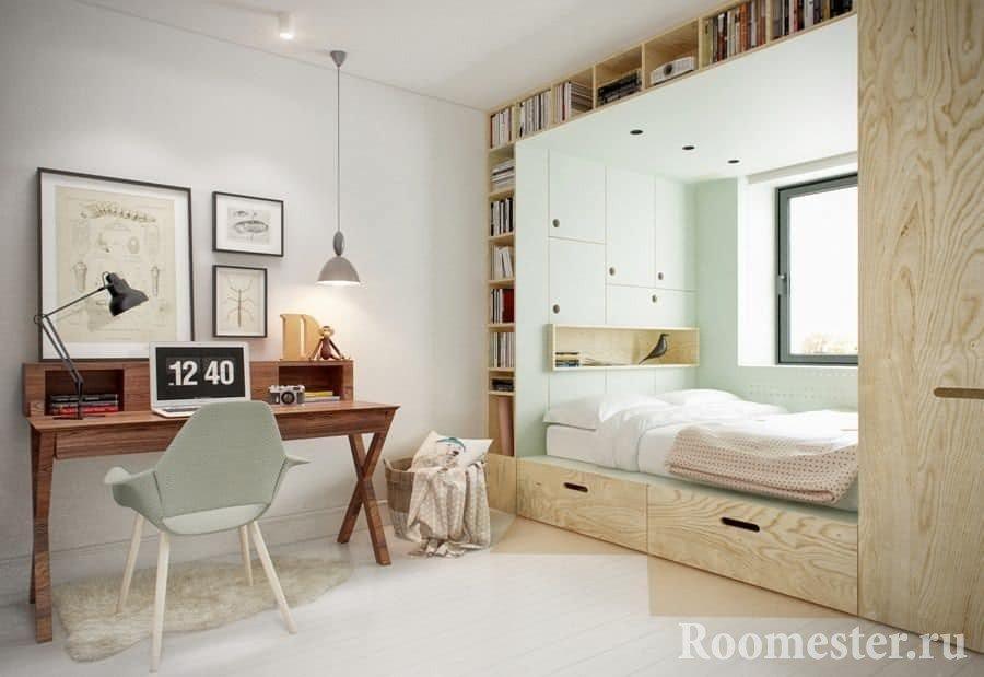 Комната для подростка с кроватью у окна