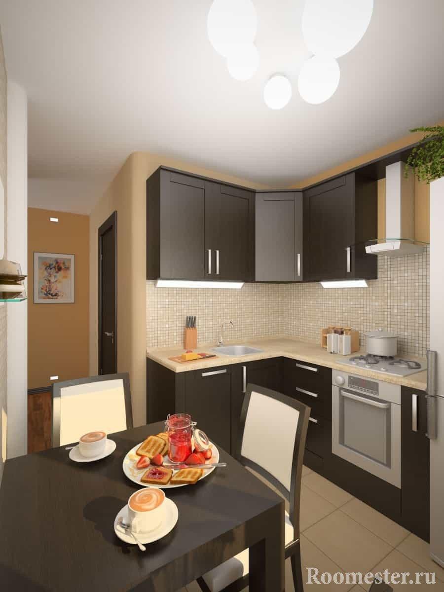 Небольшой квадратный стол в кухне