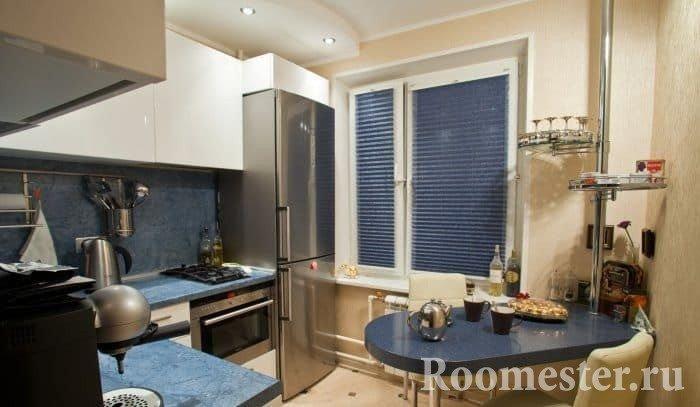 moderne k che design f r einen kleinen raum. Black Bedroom Furniture Sets. Home Design Ideas