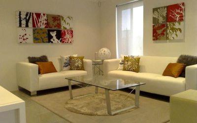 Дизайн квадратной гостиной комнаты — 20 фото интерьера