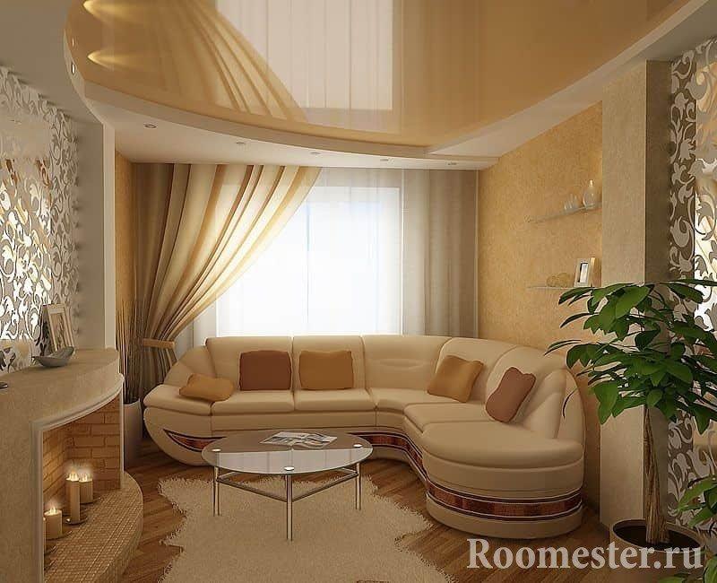 Квадратная гостиная комната с угловым диваном и фальш камином