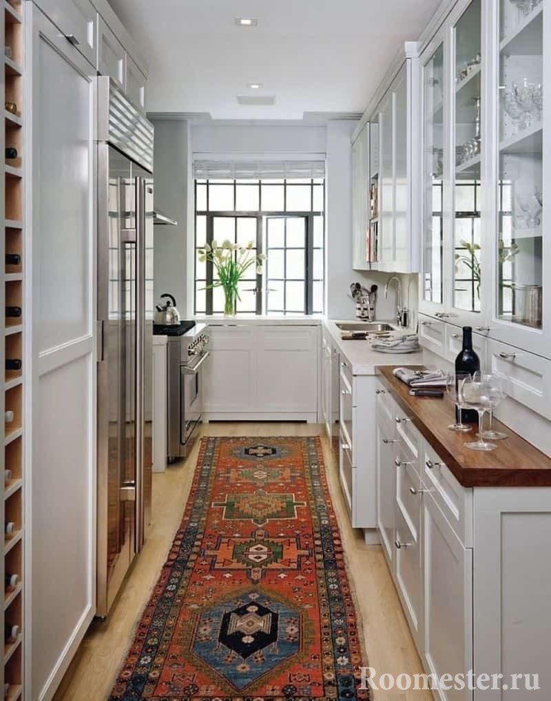 Узкая кухня 12 кв м вытянутой формы