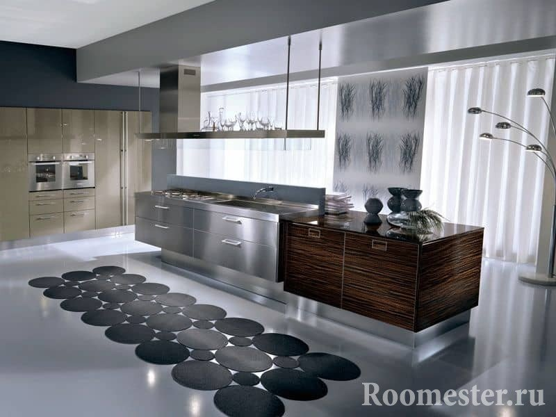 Кухня в стиле хай тек в сочетании дерева и металла