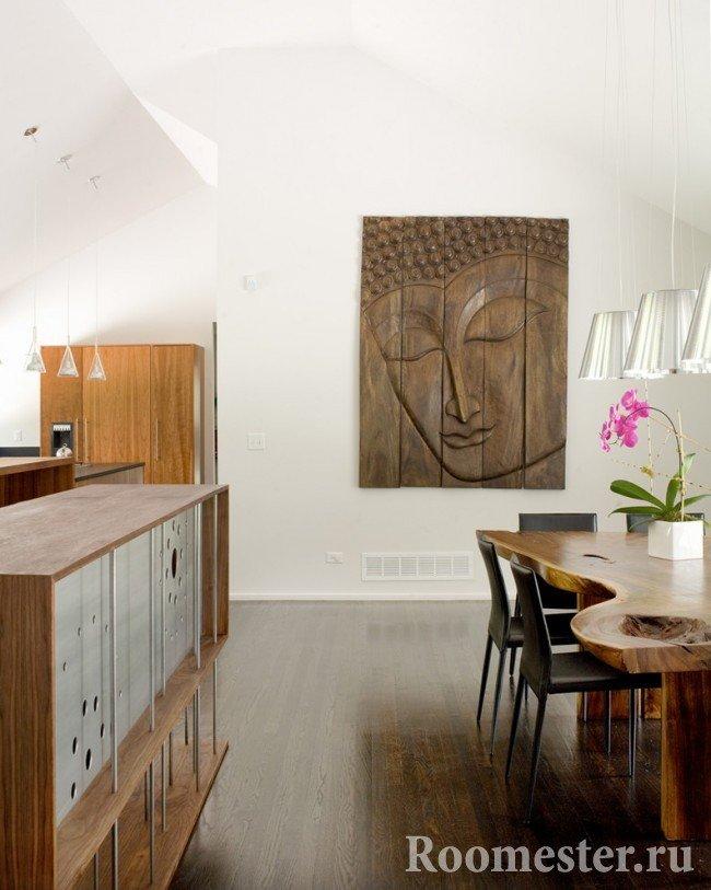 Деревянные картины хорошо впишутся в декор дома