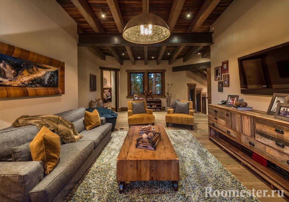 Дизайн гостиной с потолочными балками
