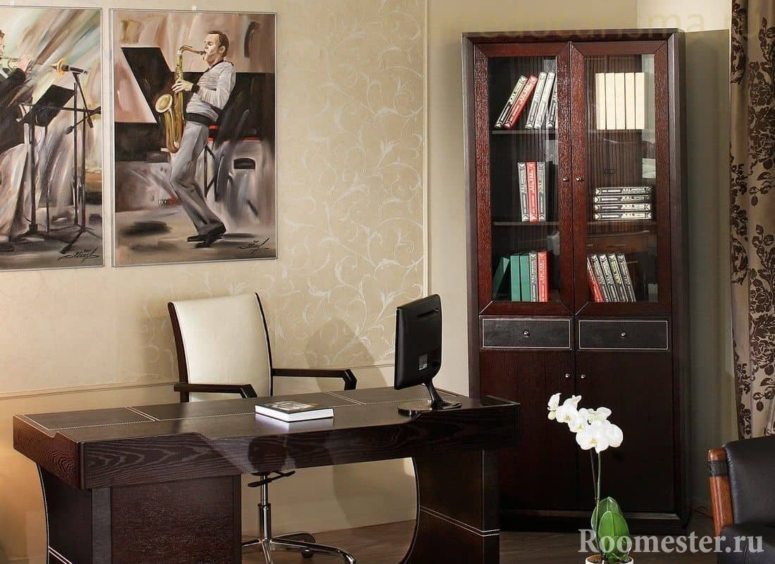 Кабинет с мебелью цвета венге