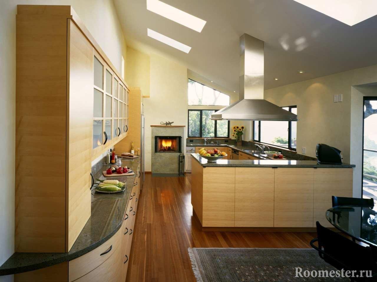 Камин в кухне