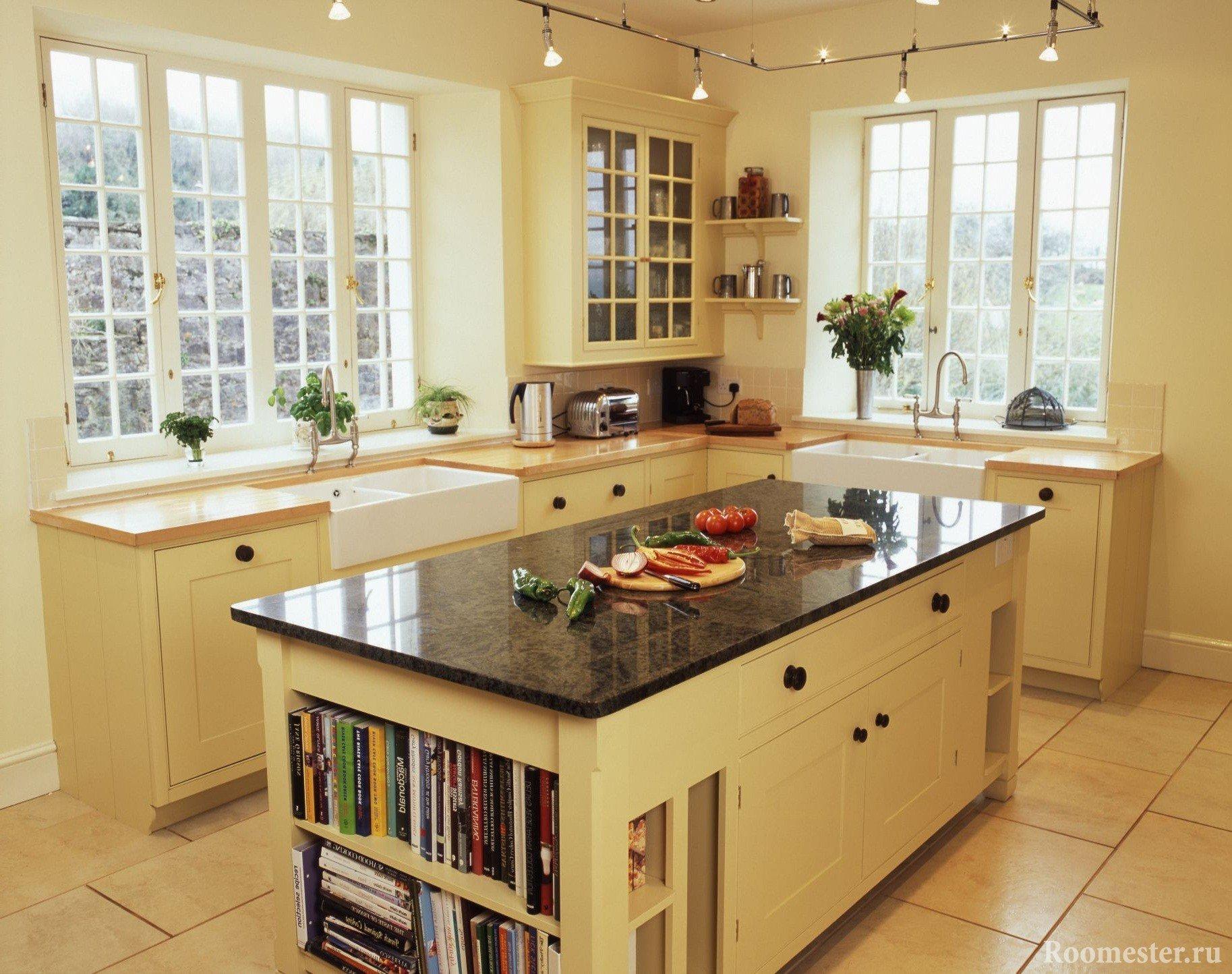 Кухня с двумя окнами и со столом-островом