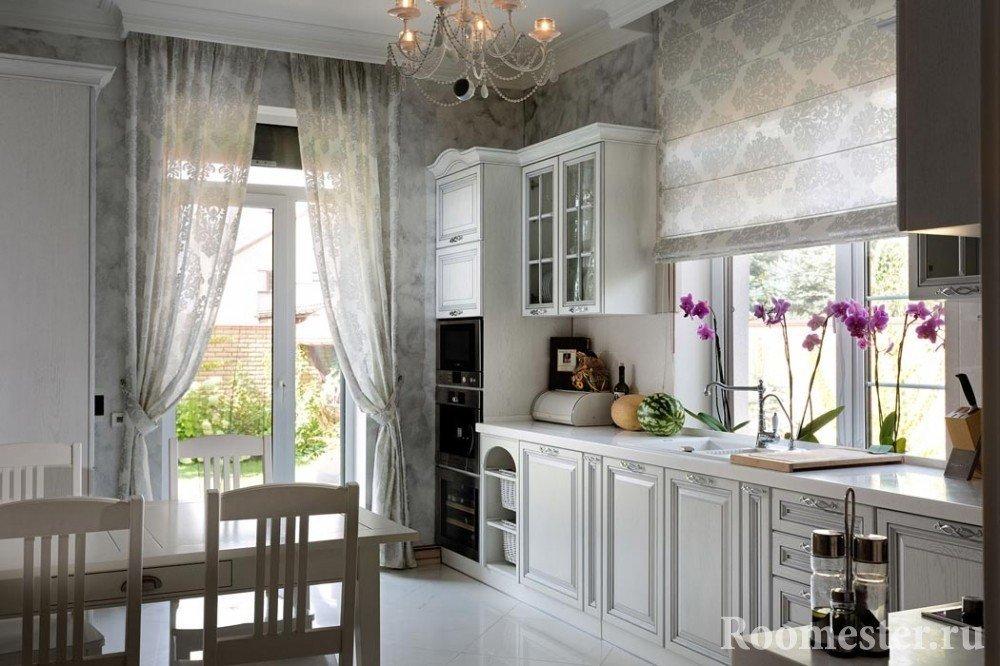 Украшение кухни цветами