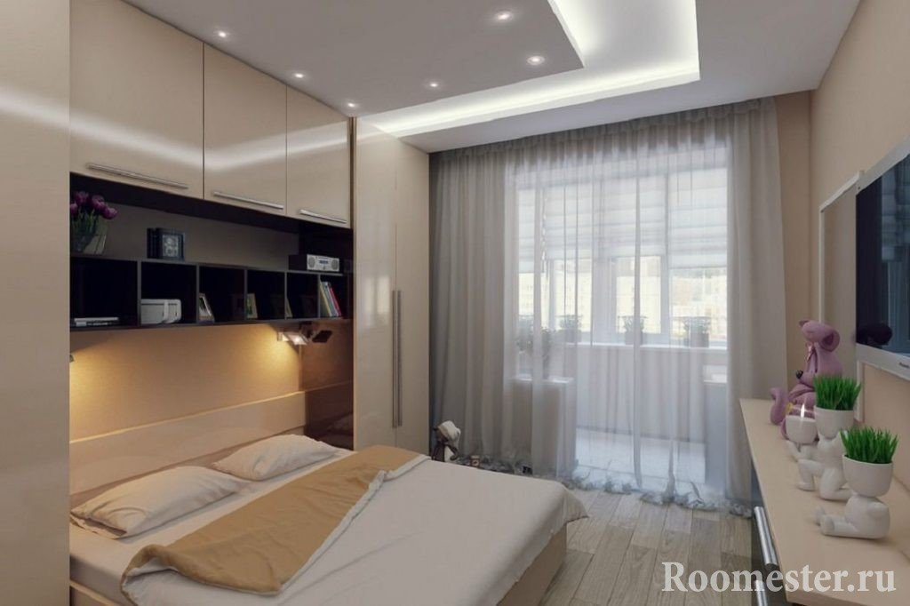 Маленькая спальня с лоджией.