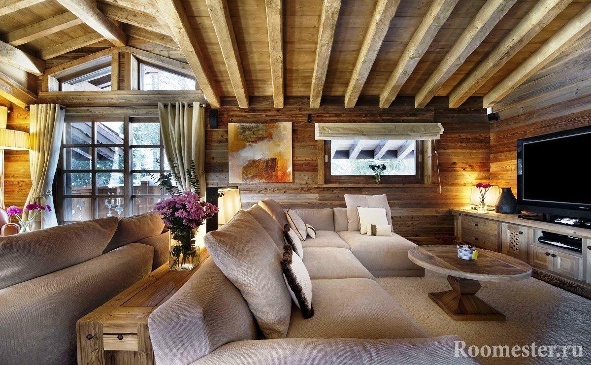 Деревянные балки в отделке потолка