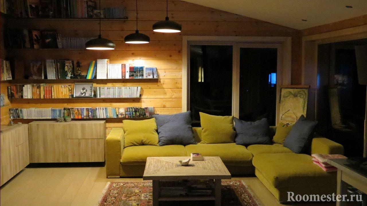 Уютная небольшая гостиная