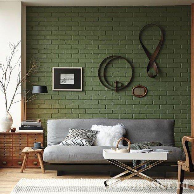 Зеленая кирпичная стена
