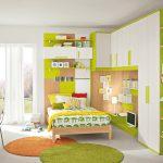 Бело-зеленая комната