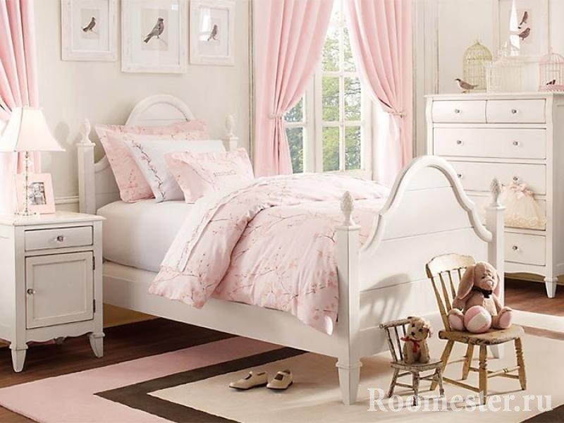 Розовая детская для девочки