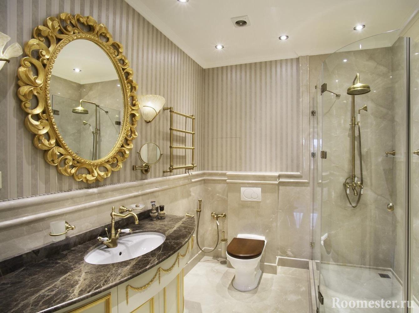 Ванная комната со стеклянной душевой кабиной