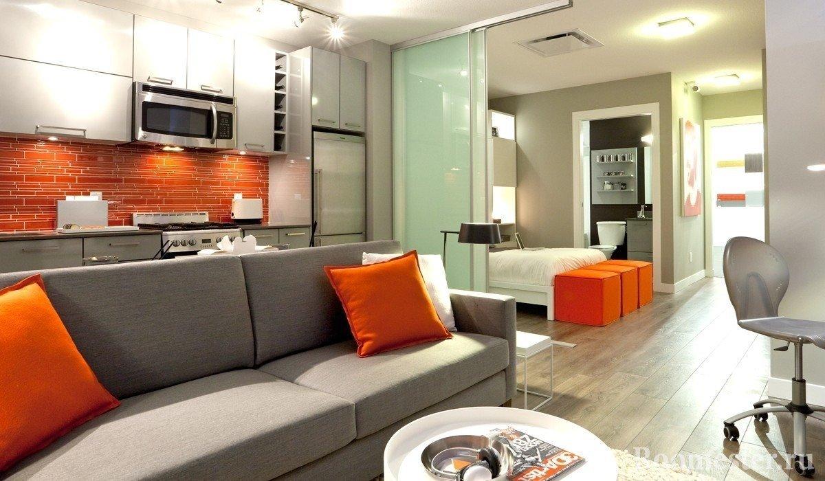 Оранжевый фартук и подушки