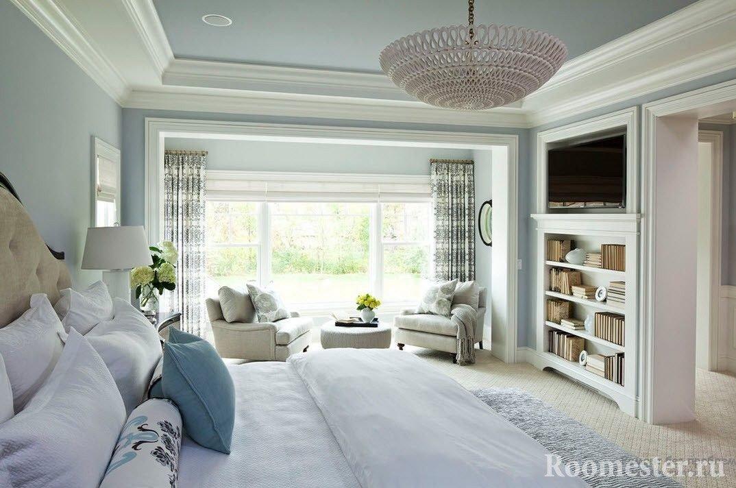 Спальная комната в холодных оттенках