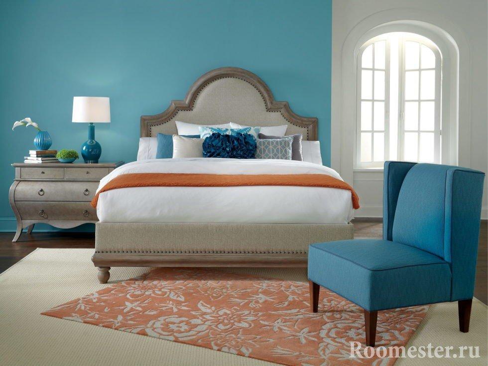 Холодный цвет в спальне