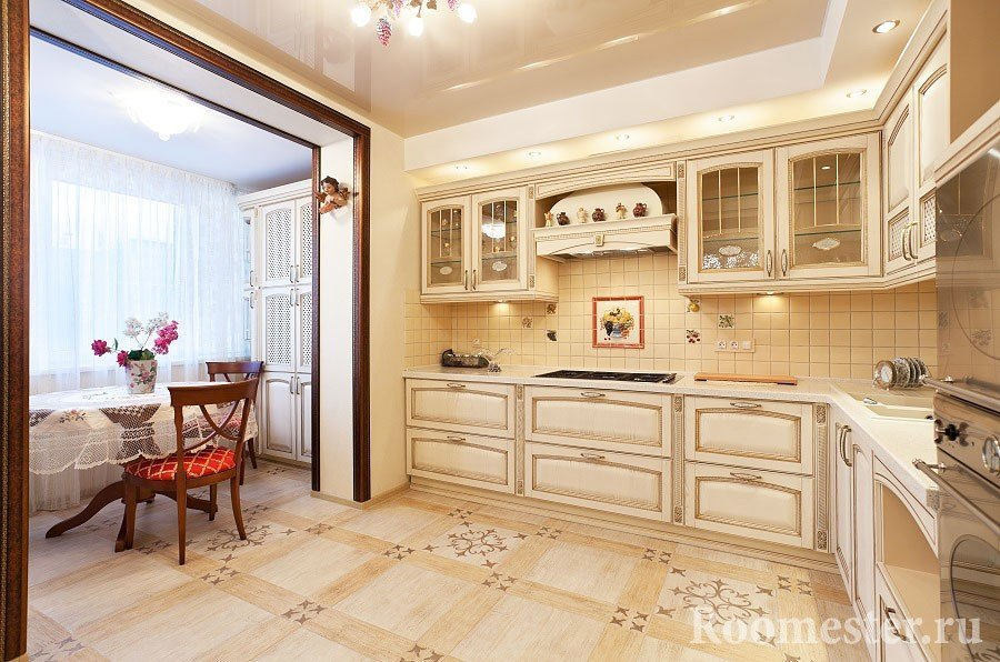 Кухонный стол в лоджии
