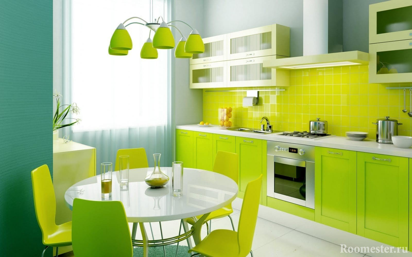 Яркий зеленый фасад