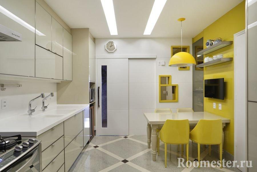 Кухня на 12-ти метрах с обеденной зоной
