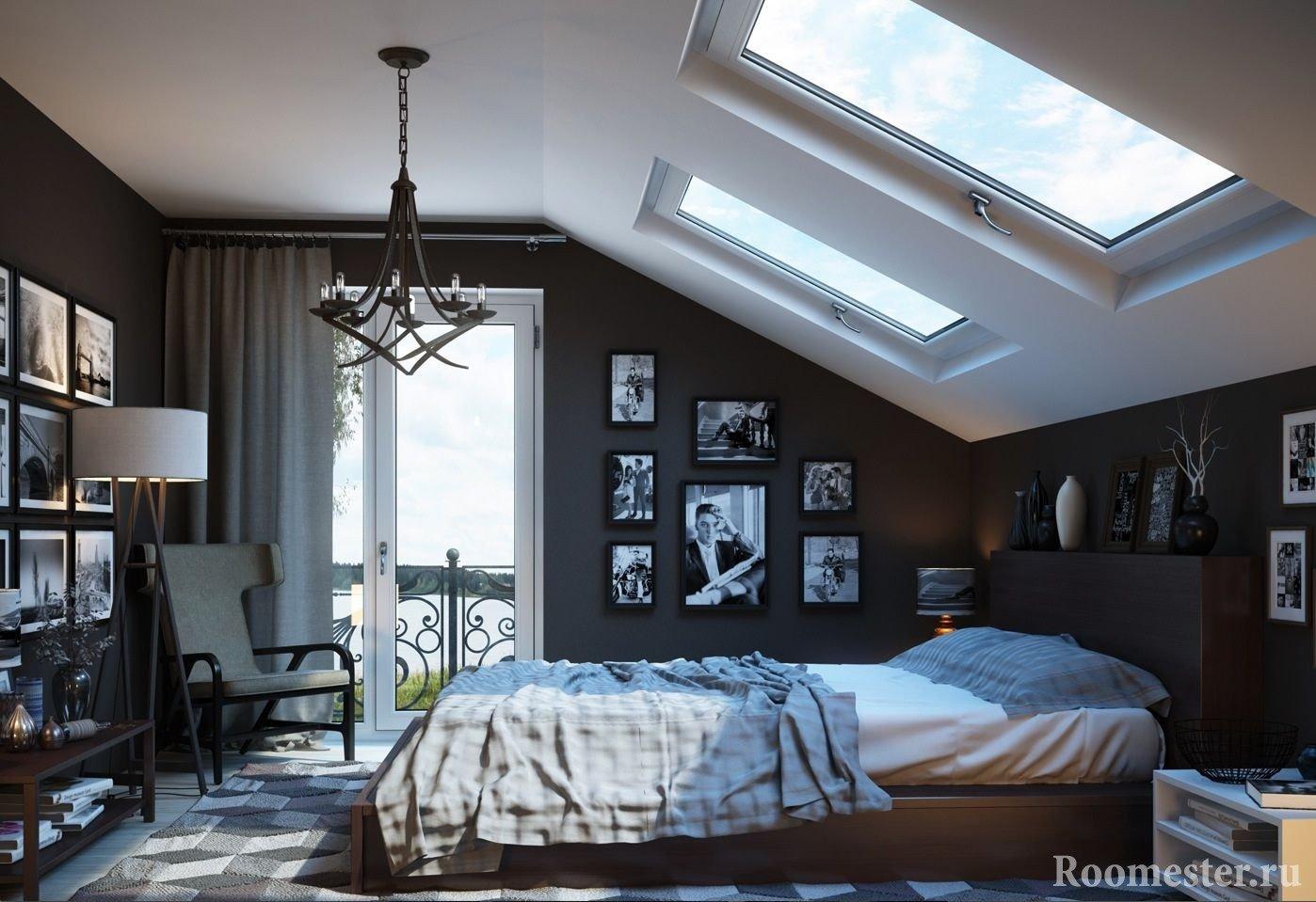 Контрастные стены и потолок