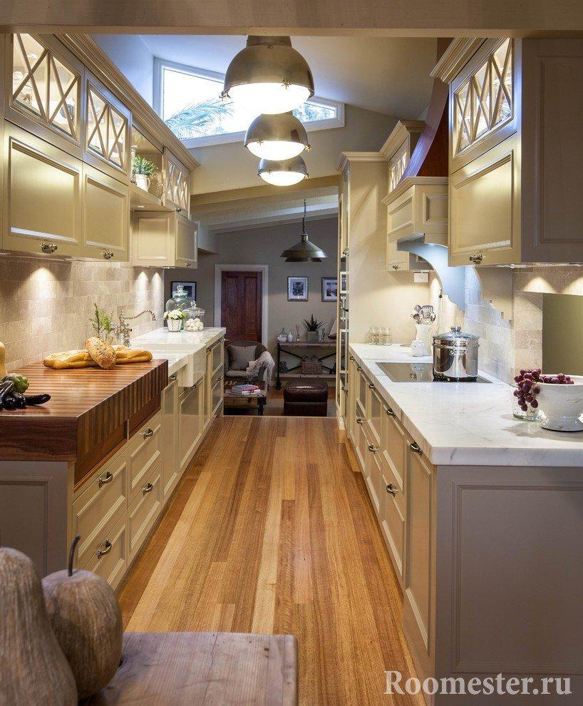 Schmale Küchendesign Foto