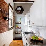 Узенькая кухня в стиле лофт
