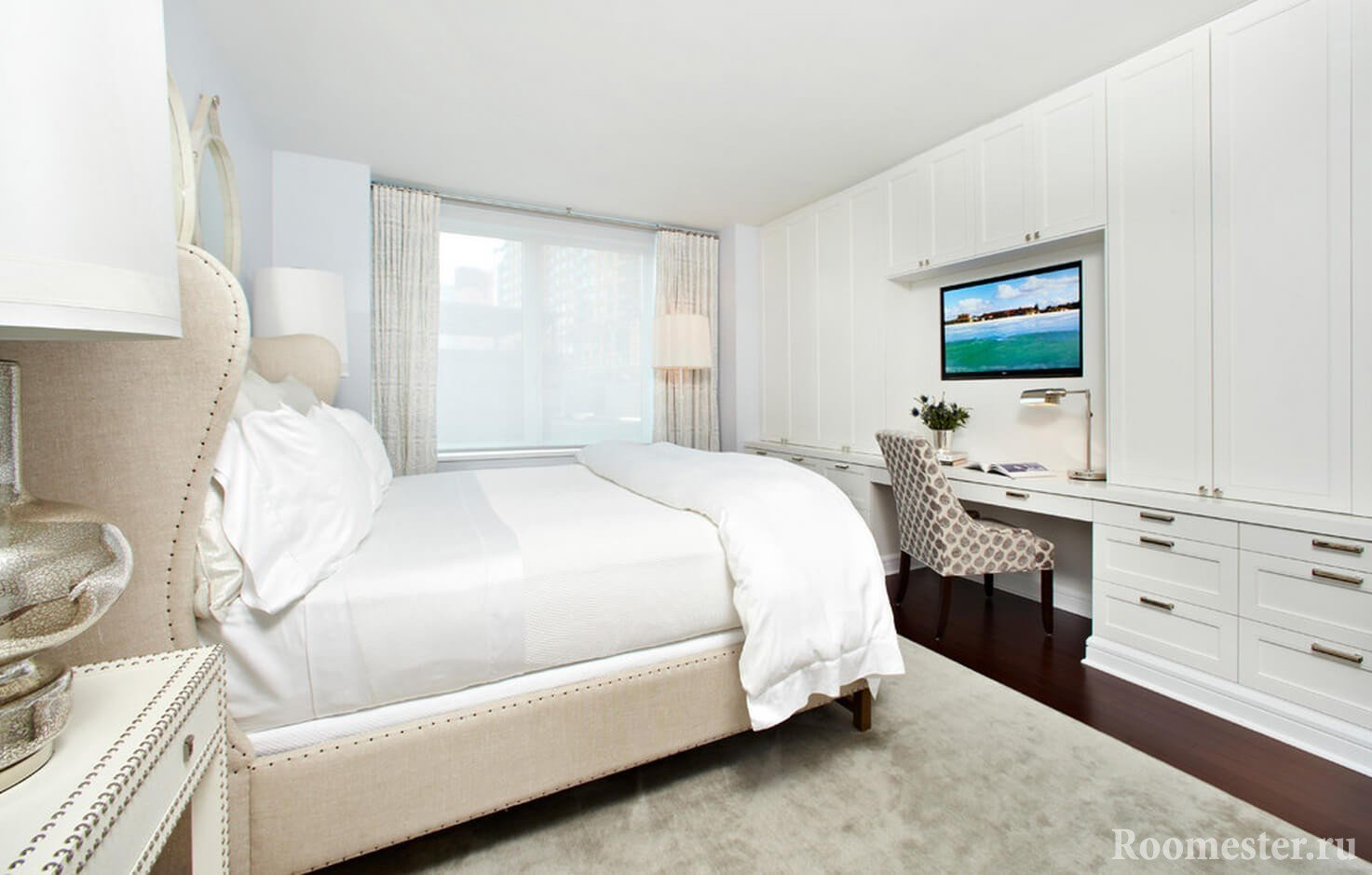 Интерьер спальни 10 кв.м в белом цвете
