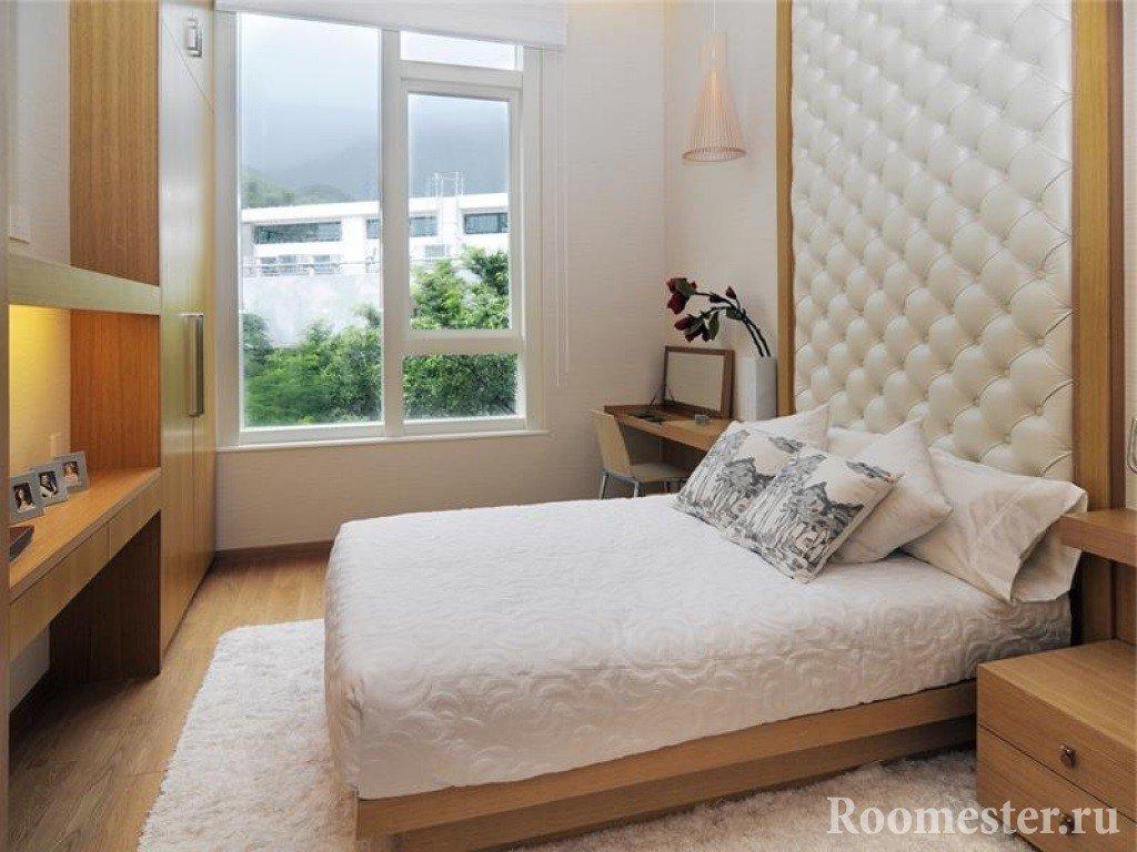 Мягкая стена у изголовья кровати из кожи